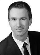 portrait of professor dr frederik ahlemann